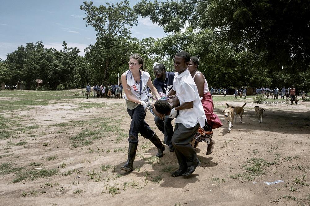 Mitarbeiter von Ärzte ohne Grenzen im Einsatz