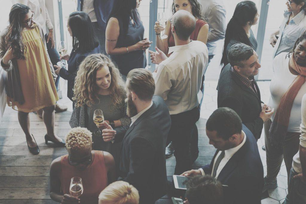 Feier des geplanten Firmenjubiläums organisieren