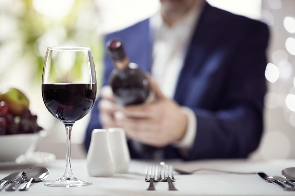 Knigge für Geschäftsessen: Weinverkostung Regeln