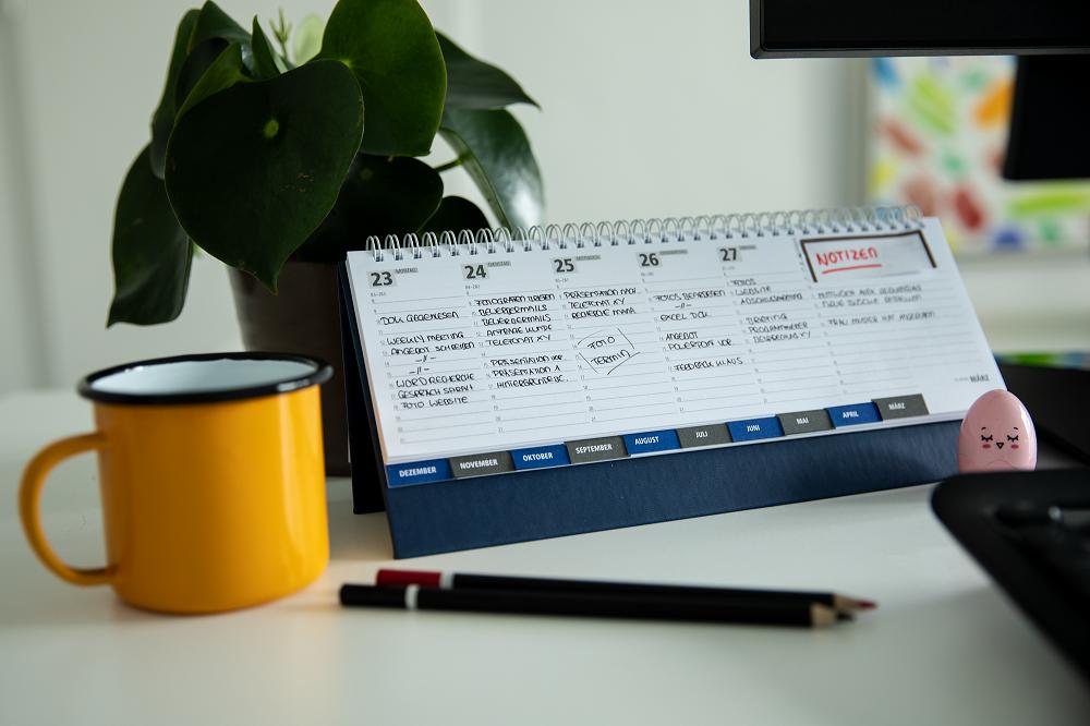 Kalender-Werbemittel auf Schreibtisch
