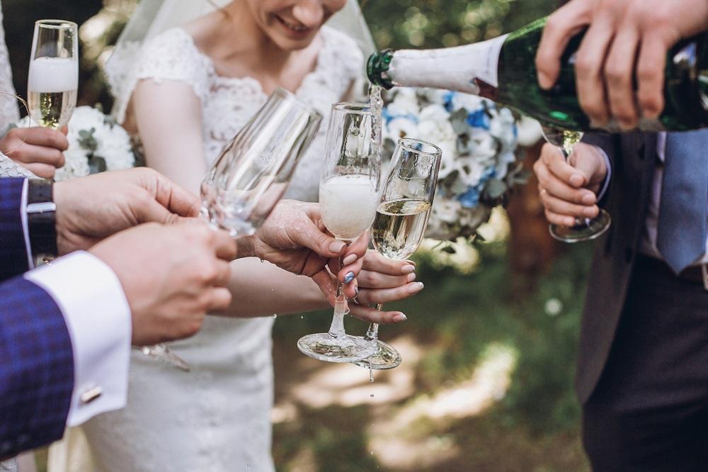 Hochzeit planen: Sektempfang für Hochzeit
