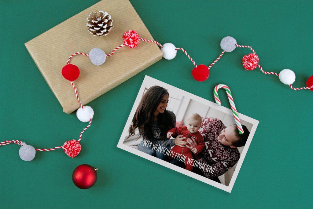 Familienfoto auf selbstgestalteter Weihnachtskarte.