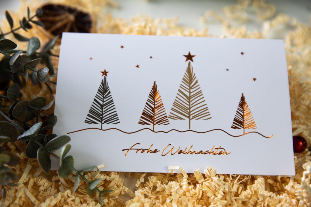 Geschäftliche Weihnachtskarte mit hübschen Details