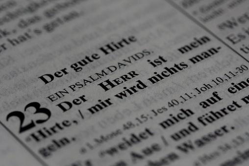 Zeitungsausschnitt mit Psalm 23