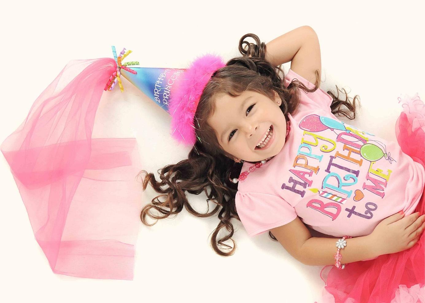 Mädchen als Prinzessin verkleidet